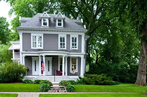 square home 38 american foursquare home photos plus architectural details