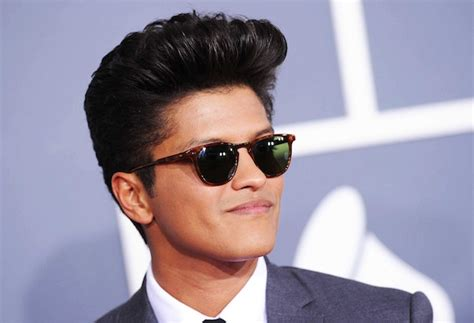 Kaos Bruno Mars 03 fashion rambut lelaki 2012 black hairstyle and haircuts
