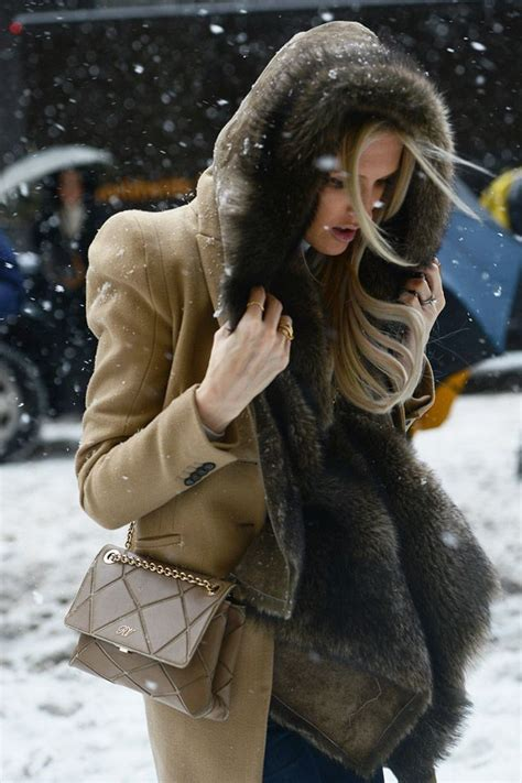 Fashion Newsletter Snow Chic by 25 Best Ideas About Snow Style On Boots For