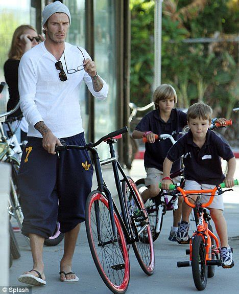 T Shirt La Galaxy Bye Becham Zero X Store david beckham tries chic while bicycle shopping with romeo and daily mail
