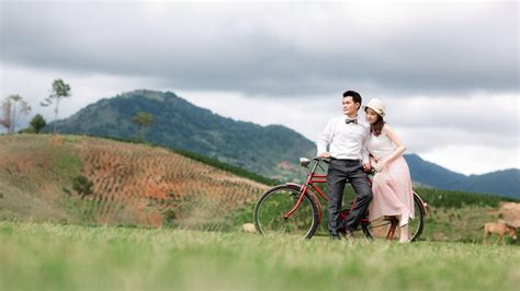 couple wallpaper large size love couple relax cycle nature wallpapers new hd wallpapers