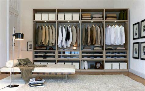 Modern Walk In Wardrobes by Walk In Closets Wardrobes