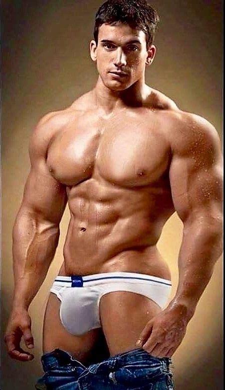 hombres bailando perreo super mega gayy jeans down big bulge up young men in levi s and