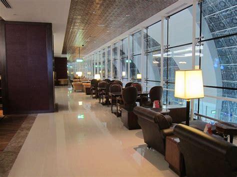 emirates lounge dubai review emirates first class lounge dubai dxb one mile