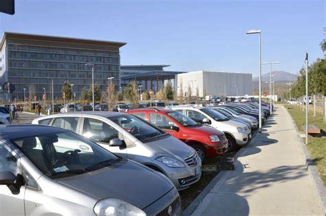 parcheggi troppo costosi negli ospedali aeroporti