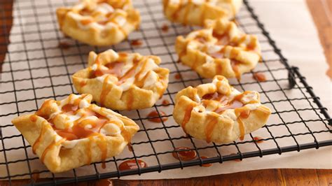 apple desserts made easy from pillsbury com