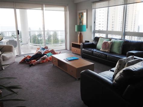 2 bedroom holiday apartments gold coast all the family fun of a gold coast theme park holiday