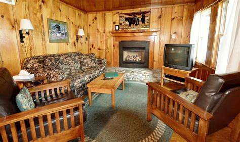 Cabin Rentals In Pittsburg Nh by Tamarack Cabin At Timber Lodge