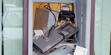 bancomat ubi via lecco furto con esplosione al bancomat ubi quibrescia