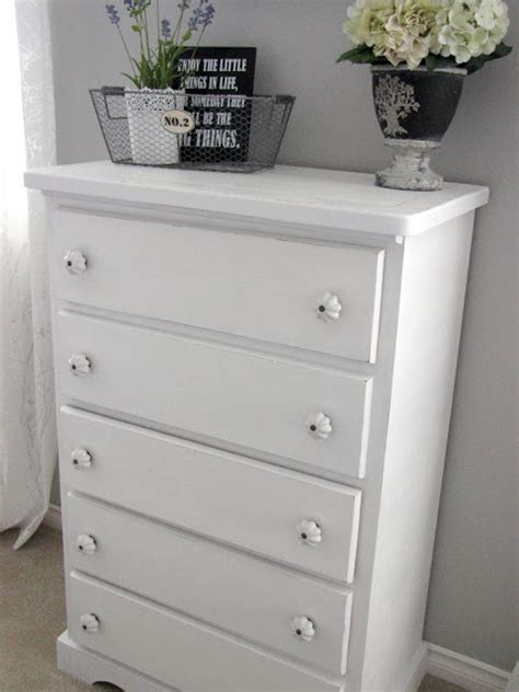 How To Paint A Dresser White by Painting A Dresser White Bukit