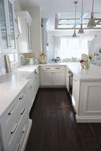 kitchen counter cabinet best 25 white counters ideas only on kitchen counters white granite kitchen and