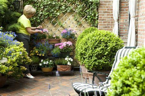 Kleine Tuinen Voorbeelden by Een Kleine Tuin Inrichten Hoe Doe Je Dat Tuinaannemer
