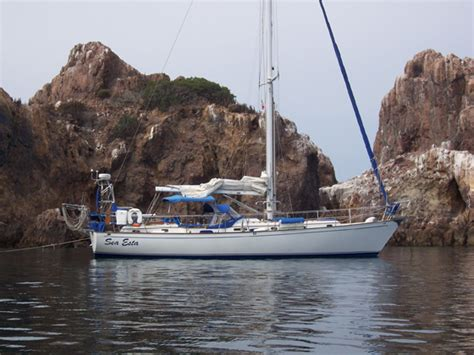 sailboats under 30 000 classic plastic 10 affordable used sailboats for cruising
