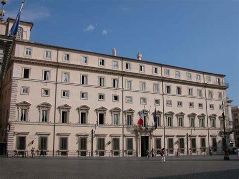 sede della presidenza consiglio dei ministri il palazzo chigi sede della presidenza consiglio foto