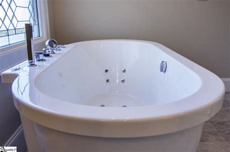 Stand Alone Jetted Tub 17 Best Images About Bathrooms On Traditional