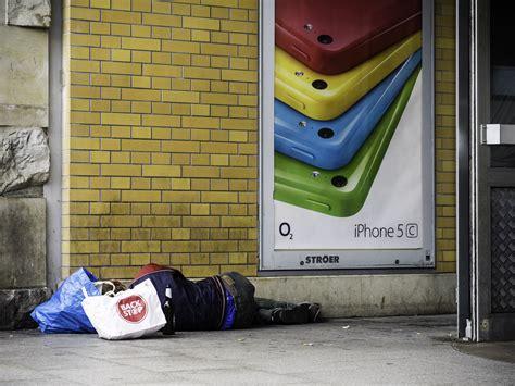Quot Vermieter Mit Herz Gesucht Quot Zwei Obdachlose Suchen 252 Ber