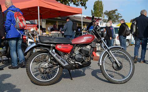 Suzuki Ts 125 1974 suzuki ts 125 pics specs and information onlymotorbikes