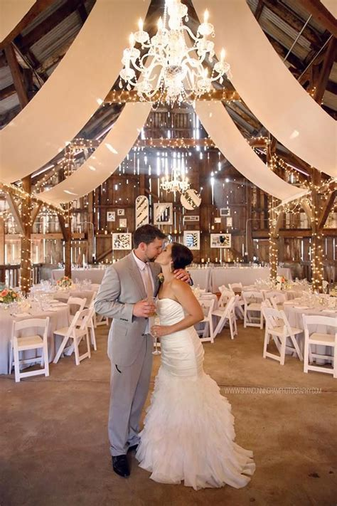 Love everything! The barn, the decor, the lighting and the