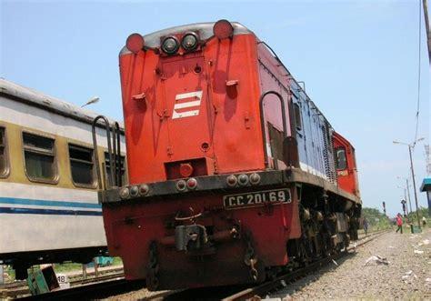 Jam Tettonis W Ton 201 W data teknik lokomotif cc 201 kereta api indonesia
