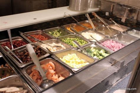 Salad Bar Toppings by Review Everything Pop Food Court At Disney S Pop Century