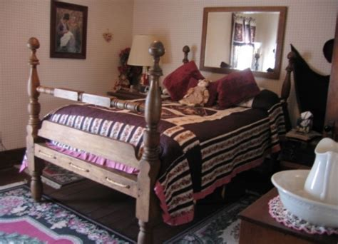 bed and breakfast in missouri country colonial bed and breakfast jamesport missouri