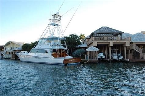 house of boats rockport tx george strait s yacht home in key allegro rockport tx george strait pinterest