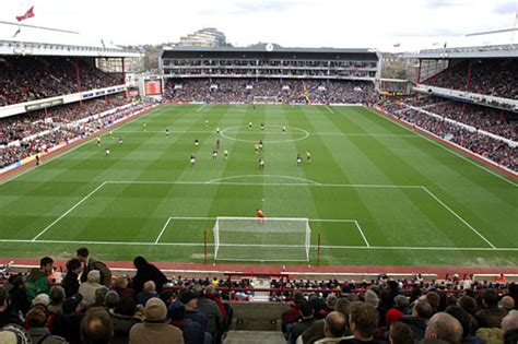arsenal home ground what has caused arsenal s decline