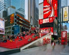 Red Stairs Nyc by Tkts Booth Perkins Eastman Choi Ropiha Archdaily