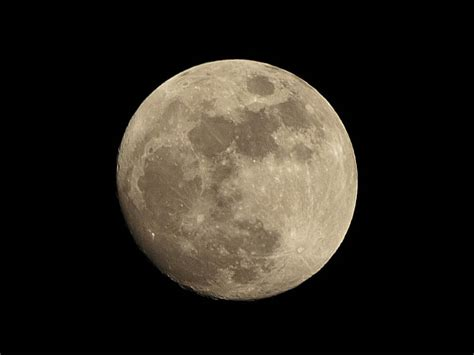 colors of the moon what color is the moon true color of the moon