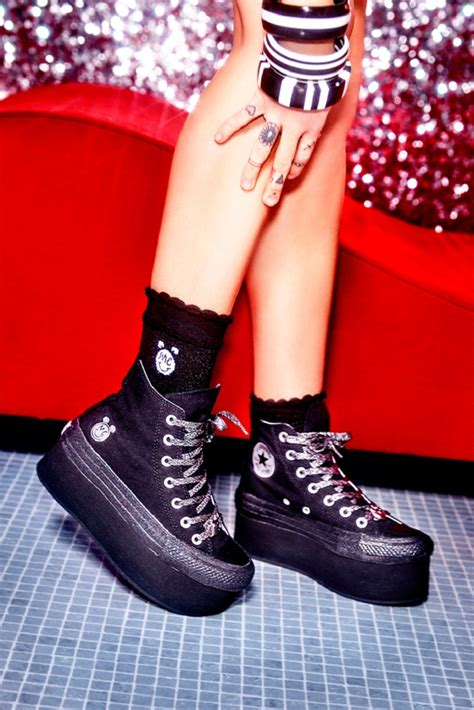 Harga Converse X Miley Cyrus miley cyrus x converse collection fashionisers