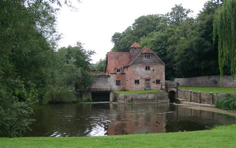 thames river cruise mapledurham mapledurham house watermill and river thames cruise 3cpd