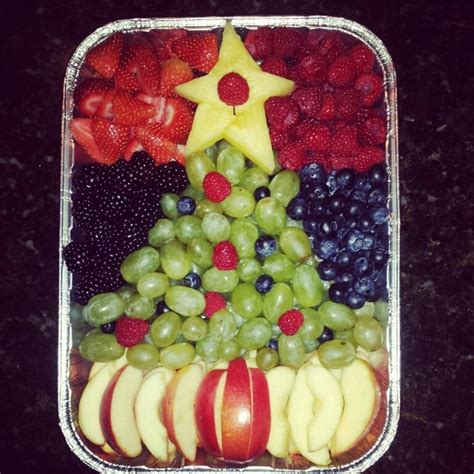christmas tree fruit salad apples green grapes
