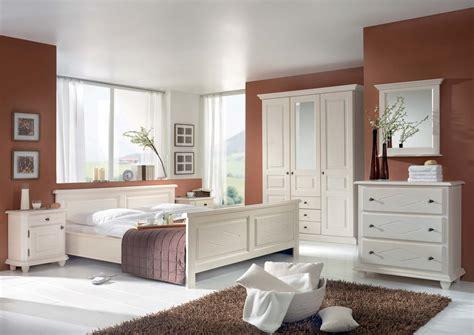 schlafzimmer fichte massiv schlafzimmer mozart in fichte massiv wei 223 lackiert