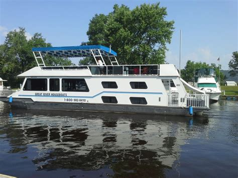 house boats for rent fun for rent renting houseboats on the mississippi houseboat magazine
