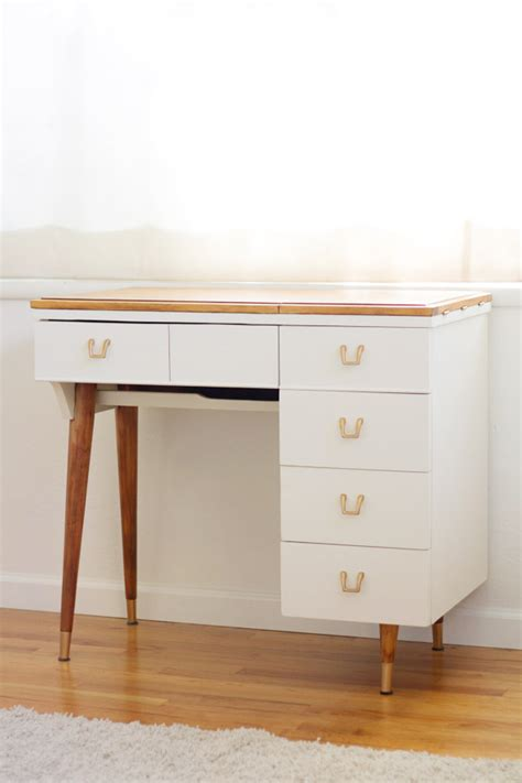 Diy Sewing Desk Diy Vanity From A Vintage Sewing Table 187 Lovely Indeed