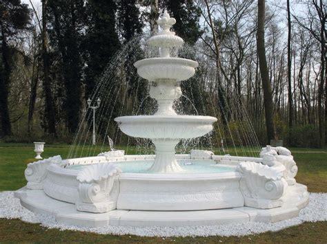 fontane artistiche da giardino fontaine en avec vasques bassin jets remontants