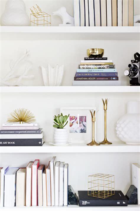 shop de look een stijlvolle ingebouwde boekenkast roomed