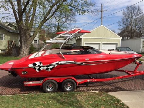 crownline boats lpx crownline lpx 225 2004 for sale for 27 500 boats from