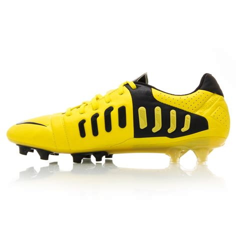 nike football shoes ctr360 nike ctr360 maestri iii fg mens football boots yellow