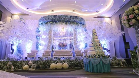Santika White by White Pearl Decoration Santika Hayam Wuruk