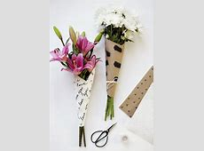 10 DIY Ways To Wrap A Flower Bouquet For A Gift - Shelterness Vintage Christmas Wrapping Paper
