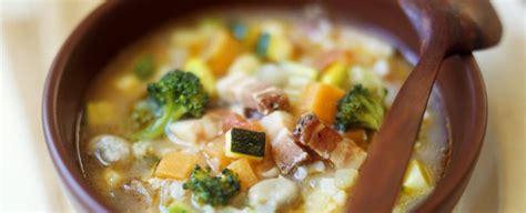 come si cucina il minestrone come preparare e cucinare il minestrone sale pepe