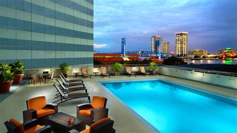 hotels with in room jacksonville fl jacksonville pool omni jacksonville hotel
