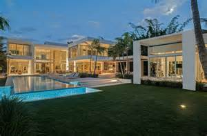 homes in miami florida 32 million newly built modern waterfront mansion in miami