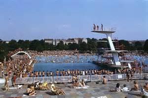 schwimmbad pankow berlin pankow freibad ansicht mit sprungturm deutsche