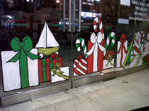 window painting signs christmas holiday seasonal artist window painting last monday painting from life