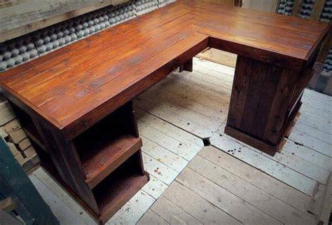 distressed wood computer desk diy pallet wood distressed computer desk 101 pallets
