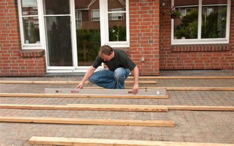 terrasse undicht wer zahlt eine terrasse im garten selber bauen 4 schritt anleitung
