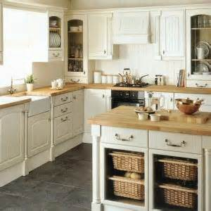 Howdens Kitchen Design by Howdens Kitchen Design