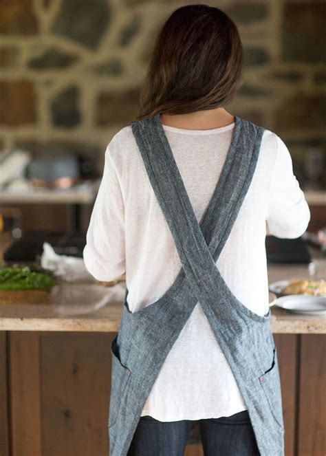 sewing cross back apron this cleverly crafted apron features a criss cross back